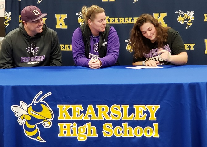 Claire Ouellette Commits to Goshen College